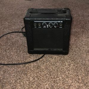 electric guitar amp and aux cord